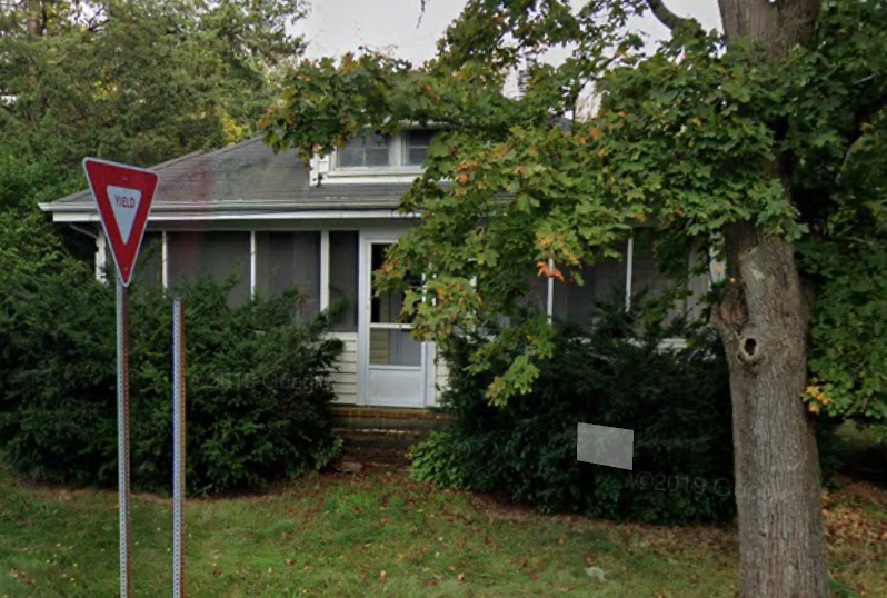 Commitment living - old silver house certified sober house for women in Falmouth MA