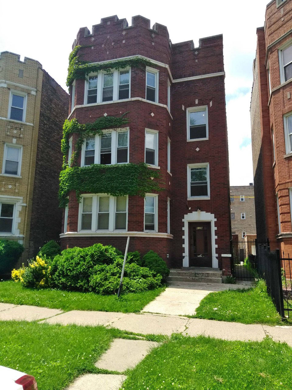 Henry's Sober Living House- Ellis Residences
