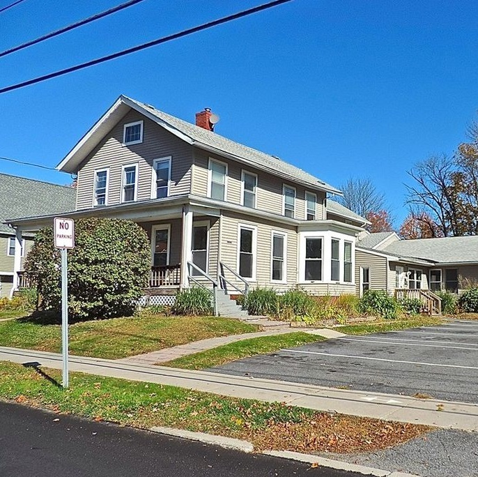 Greenfield Sober House Women's Wing │ Vanderburgh House Sober Living for Women in Greenfield, Massachusetts